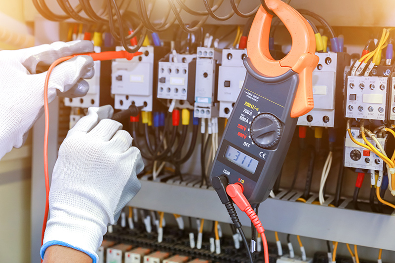 How To Become An Electrician in Hereford Herefordshire
